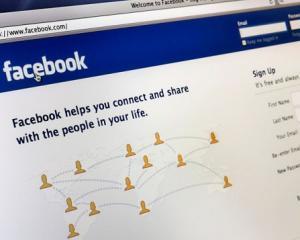 Facebook devine furnizor de servicii financiare. Utilizatorii vor face plati online prin intermediul platformei