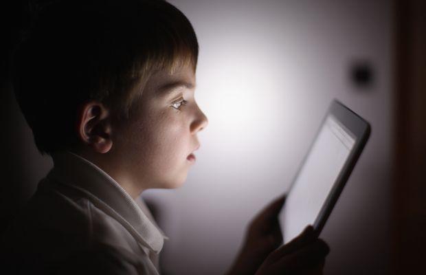 De ce trebuie sa-i iei copilului o tableta de Craciun