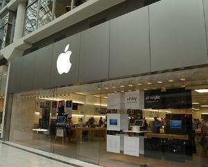 Utilizatorii Apple cer daune de 800 de milioane de dolari
