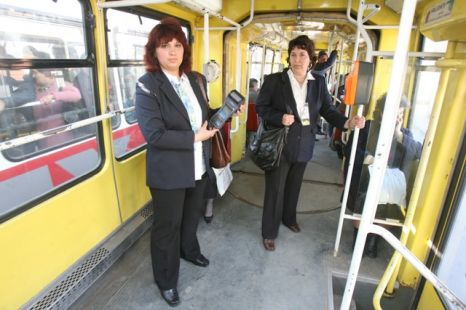Politia Capitalei se muta in mijloacele de transport in comun