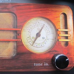 O idee, un radio vechi si mesajul potrivit: Ingredientele succesului international al campaniei Tune in