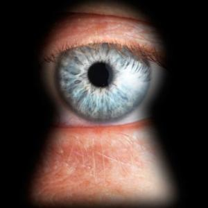 FBI vrea acces prin usa din spate catre conturile de pe Facebook, Twitter si cel de e-mail