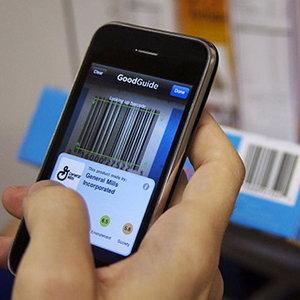 STUDIU: Impactul reclamelor asupra utilizatorilor de smartphone este mai mare in timp ce fac cumparaturi