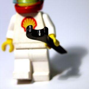 Lego si-a pus echipa manageriala sa dea examen din Facebook
