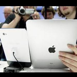 De ce rade Apple: Tableta Samsung Galaxy este interzisa in magazinele europene