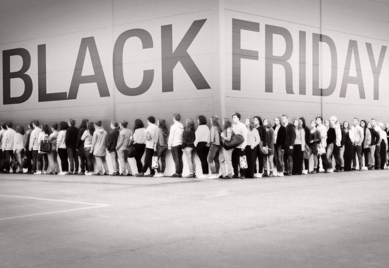 Black Friday: Vanzari record, trafic record