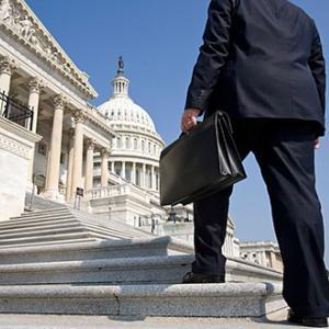 Google si Facebook au cheltuit sume record pe lobbying in al doilea semestru al 2011