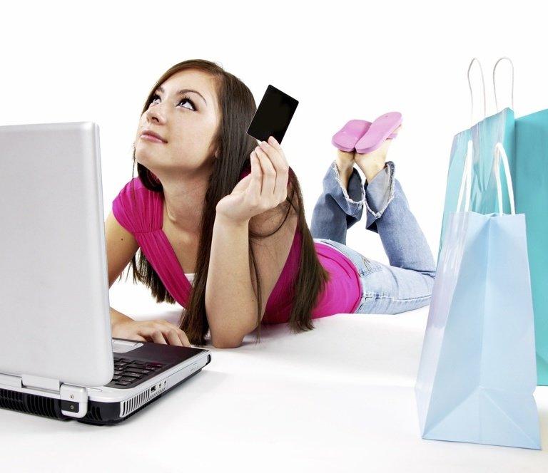 Comertul online: 79% dintre consumatori prefera sa beneficieze de transport gratuit mai degraba decat de discount