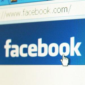 Amenintarea de pe Facebook: 12.000 romani au fost inselati printr-un fals concurs Orange