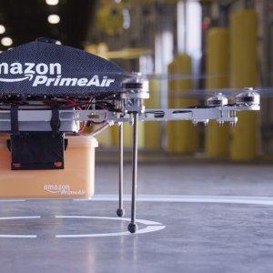 Marketing SF: Amazon va construi drone care vor livra comenzile prin aer in 30 minute