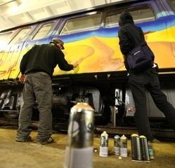 Graffiti la metroul bucurestean: O campanie initiata de Apa Nova