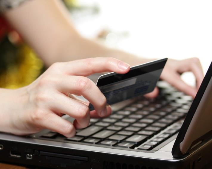 Premiera: Europenii vor cheltui online 10 milioane de euro pe zi pentru Craciun