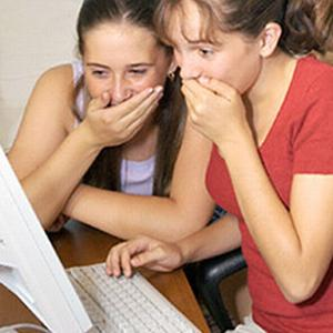 STUDIU: Parintii trebuie sa controleze ce fac copiii pe retelele de socializare