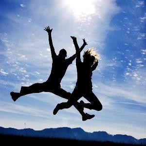 9 lucruri pe care oamenii fericiti le au in comun