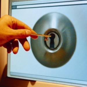 Protejeaza-ti conturile: Foloseste autentificarea cu doi factori