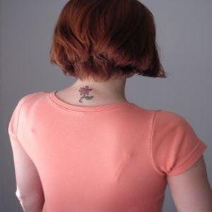 Cu tatuajele la birou