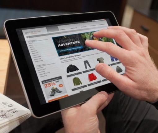 Cumparaturile efectuate de pe tablete aduc mai multi bani retailerilor online