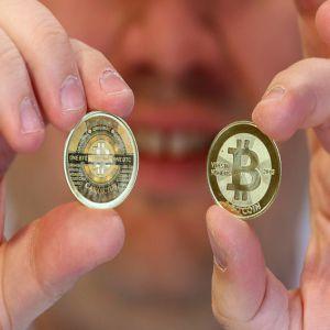 Canada deschide bancomate pentru moneda internetului