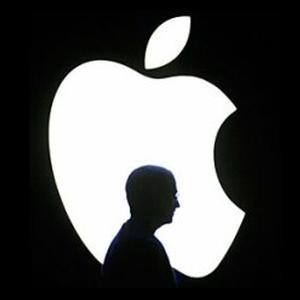 Lucrezi la Apple, deci esti nemultumit