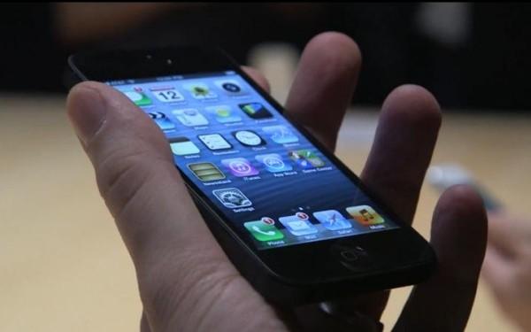 Comenzile pentru iPhone 5 sunt mai mici decat asteptarile producatorilor