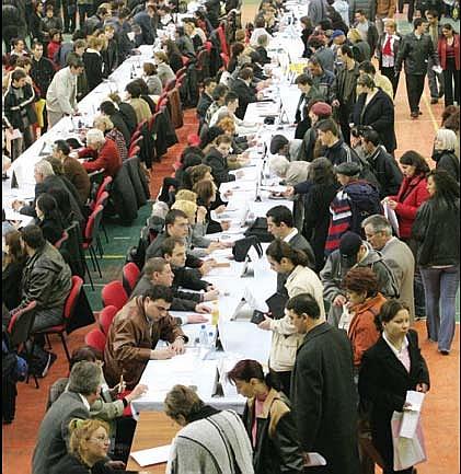 Locurile de munca pe care s-au batut romanii in 2012