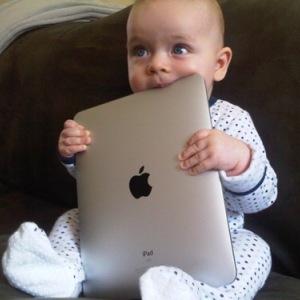 Babies with iPads: Blogul care te face sa zambesti instantaneu