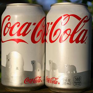 Coca-Cola renunta la ambalajul de sarbatoare, la o luna de la lansare