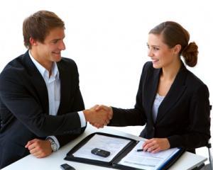 3 trucuri care te vor ajuta sa retii informatii despre persoanele pe care le intalnesti