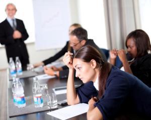 3 intrebari care ii vor motiva pe angajatii tai sa devina mai productivi