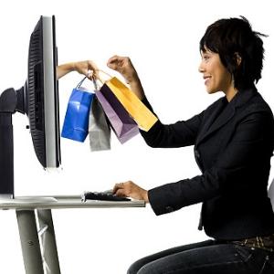 Mediul online ne face sa cumparam mai mult