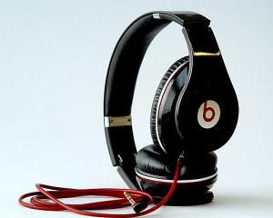 Cea mai mare achizitie Apple: producatorul de casti audio Beats Electronics