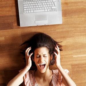 STUDIU: Femeile se razbuna postand poze stanjenitoare pe Facebook