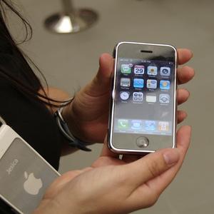 Telefoanele furate se vor inchide si nu vor mai functiona. Decizia Apple si Samsung
