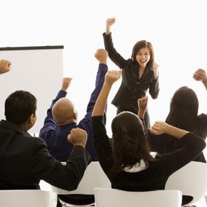 Ce te determina sa lucrezi eficient: motivatia sau echipa?