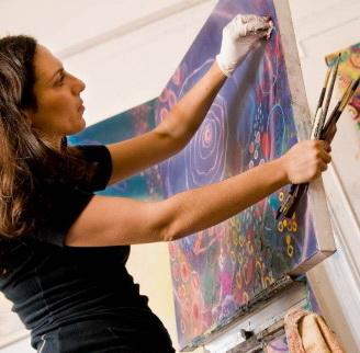 O promotie ciudata: Cazare contra arta