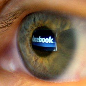 Facebook iti cere acum si numarul de telefon