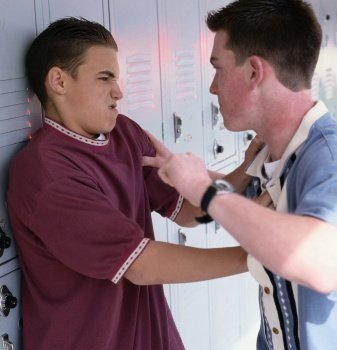 Politia Romana a lansat o campanie de prevenire a violentei cu un print de senzatie