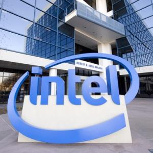 Intel vrea sa scoata un telefon care sa-ti invete personalitatea