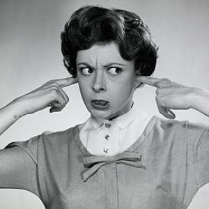 5 greseli de evitat in timpul unei conversatii