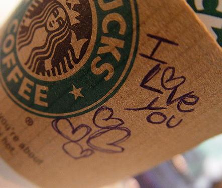 STUDIU: Consumatorii isi apara brandurile favorite