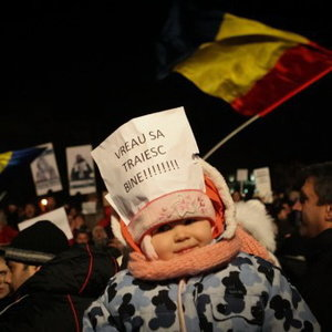 Arta sloganului nascut in strada. Bucuresti, KM 0