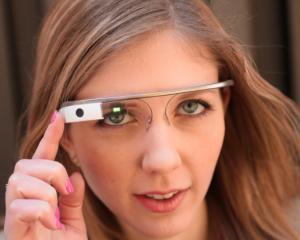 Cat costa ochelarii Google si cand vor fi scosi la vanzare