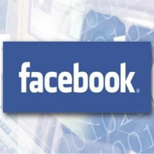 Facebook da din nou drumul la reclame