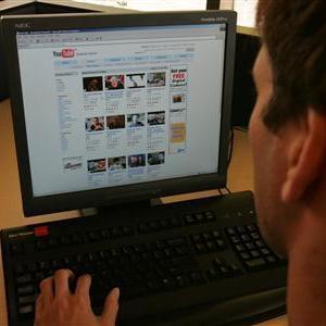 STUDIU: Utilizarea retelelor de socializare NU scade productivitatea angajatilor