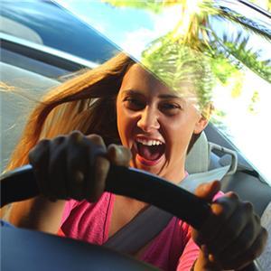 Producatorii auto apeleaza la social media pentru atragerea tinerilor consumatori
