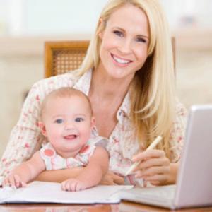 STUDIU: Dupa ce nasc, femeile stau mai mult pe Facebook