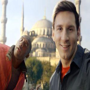 Reclama zilei: Kobe si Messi se plimba cu avionul