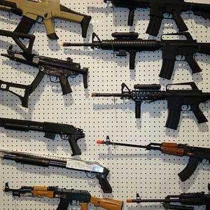 Ce face Facebook pentru a controla comertul cu arme in cadrul retelei