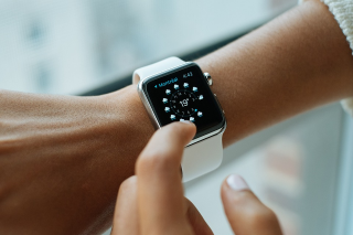 Apple a vandut 6 milioane de ceasuri in ultimele trei luni din an