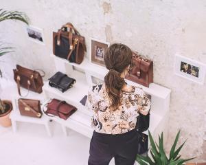 Asa arata biroul unui designer de moda de succes